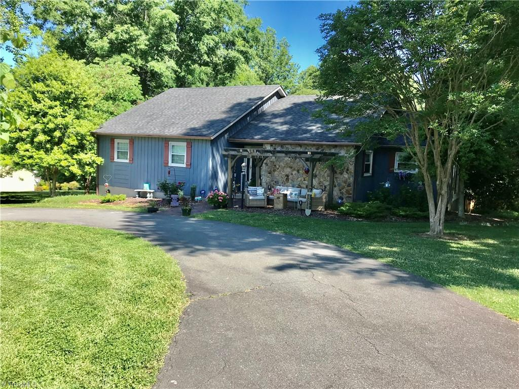 261 Brittany Road Property Photo