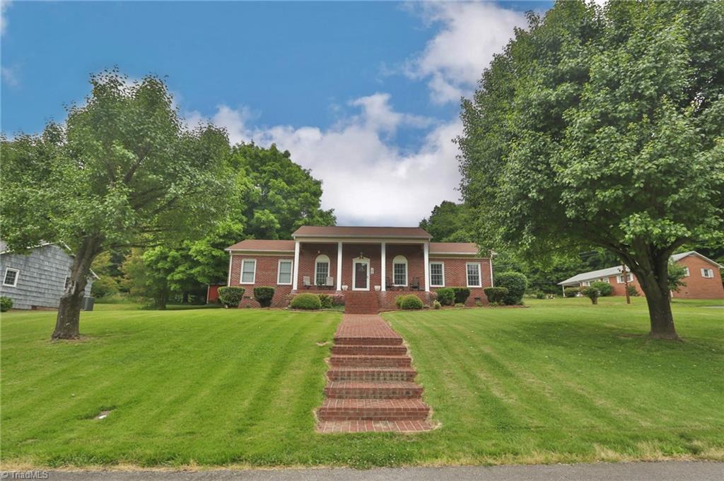 164 Edgewood Drive Property Photo