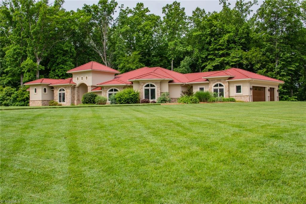 584 Lissara Lodge Drive Property Photo 1