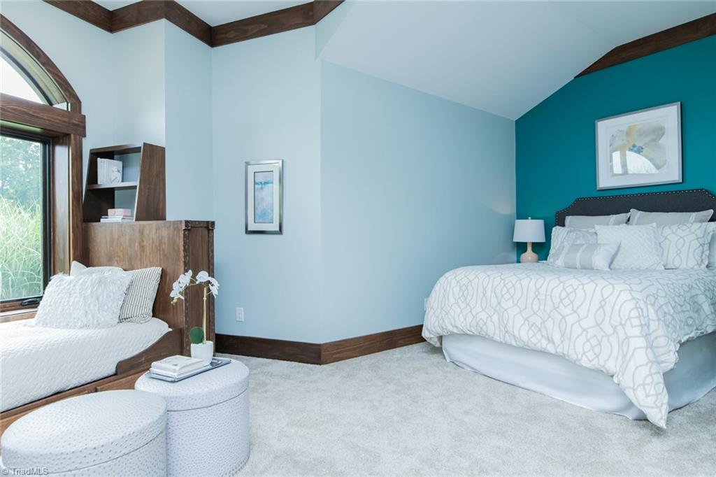 584 Lissara Lodge Drive Property Photo 18