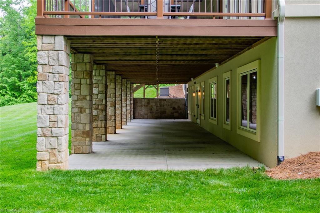 584 Lissara Lodge Drive Property Photo 29
