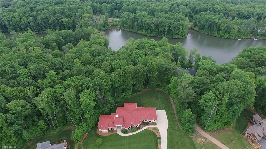 584 Lissara Lodge Drive Property Photo 34