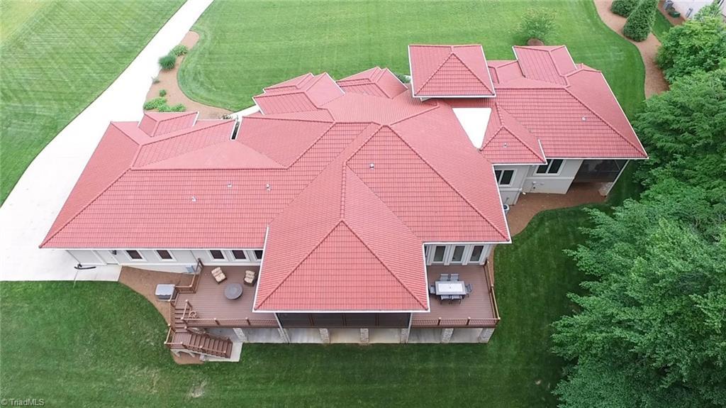584 Lissara Lodge Drive Property Photo 35
