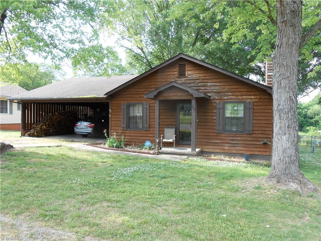 205 Penn Lake Drive Property Photo