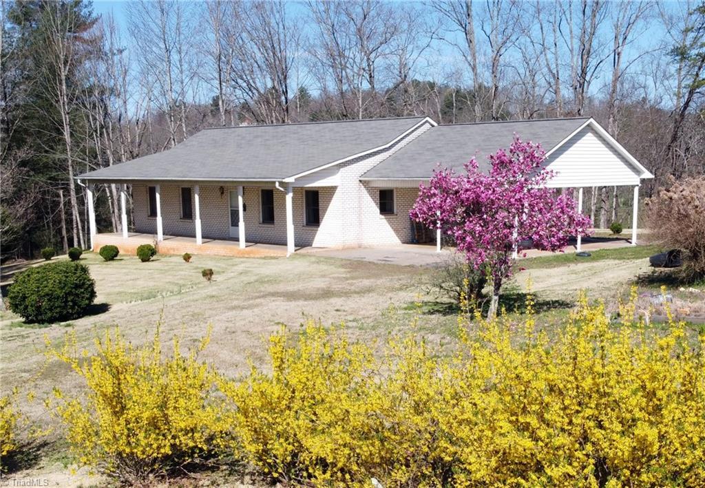 3030 W Us Highway 421 Property Photo