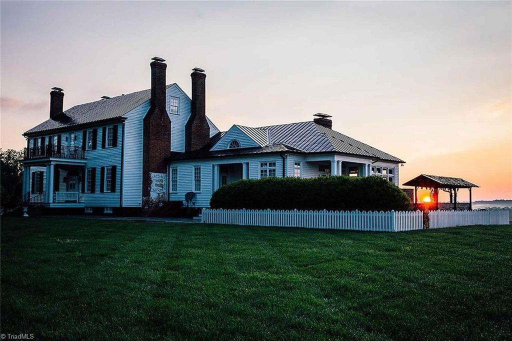 432 Willow Oak Drive Property Photo 1