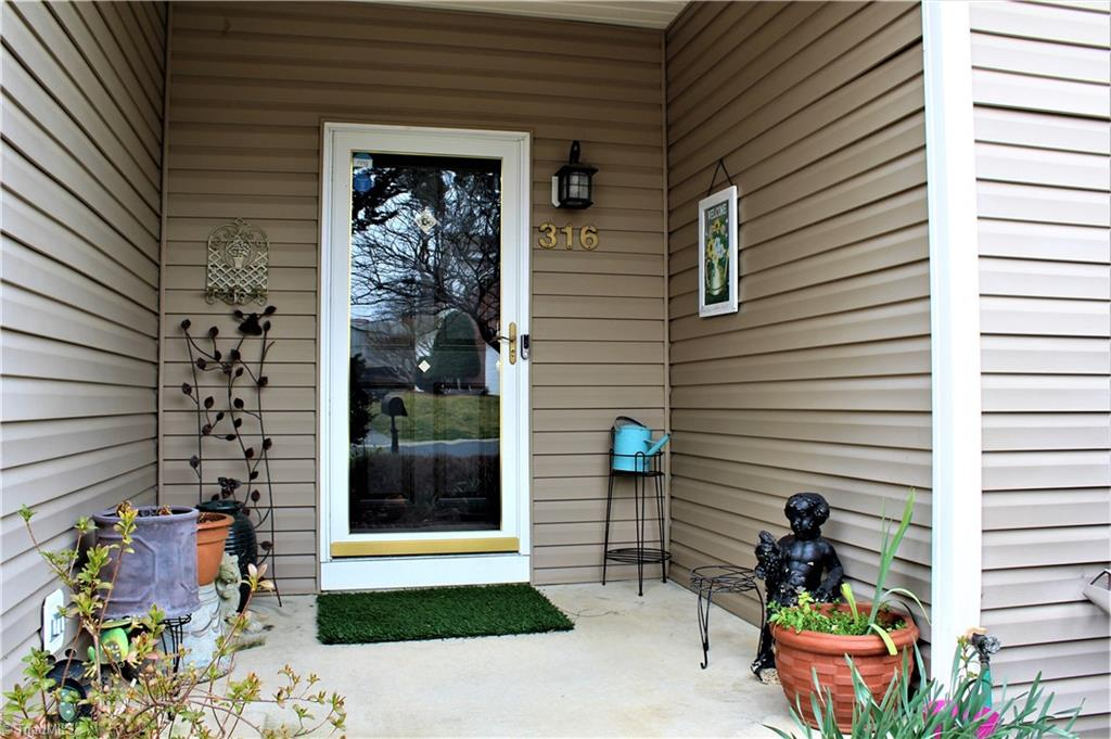 316 Misty Waters Lane Property Photo