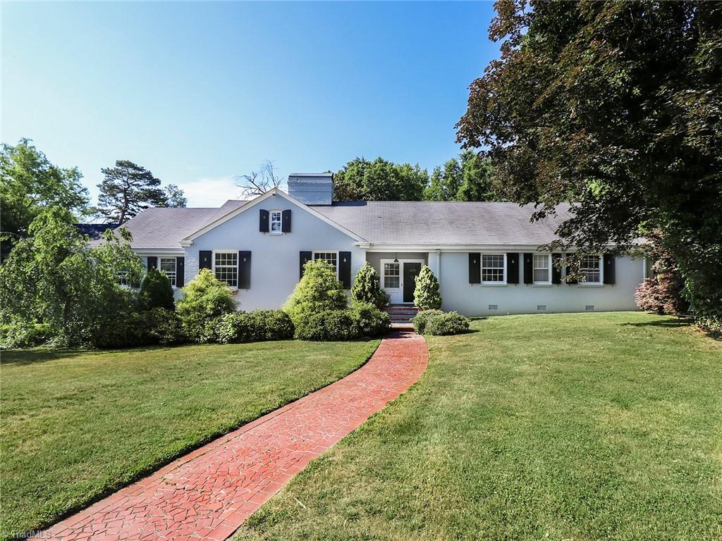 3101 W Market Street Property Photo