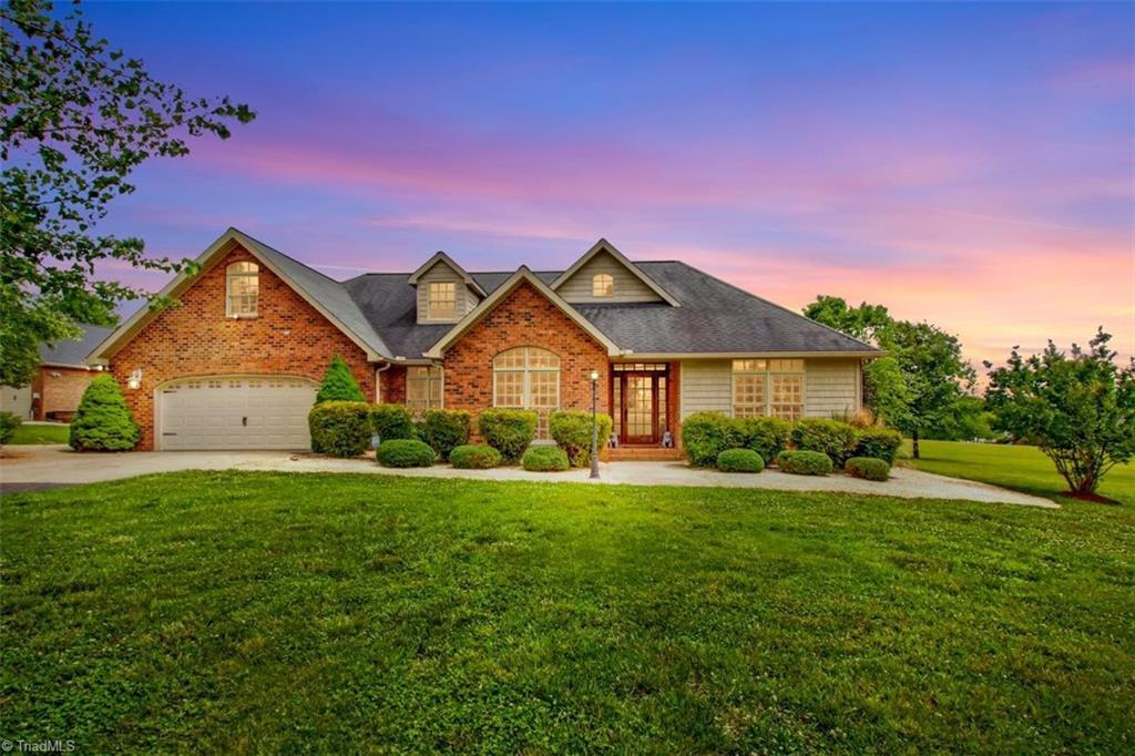 440 Lake Pointe Lane Property Photo