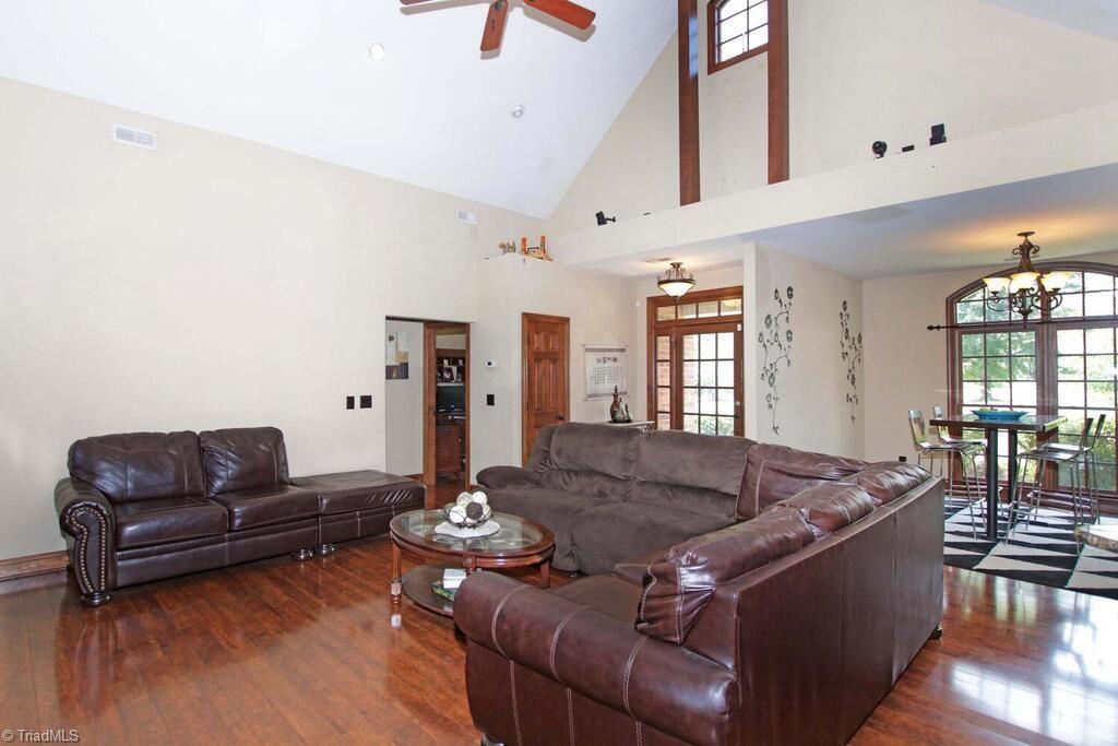 440 Lake Pointe Lane Property Photo 7