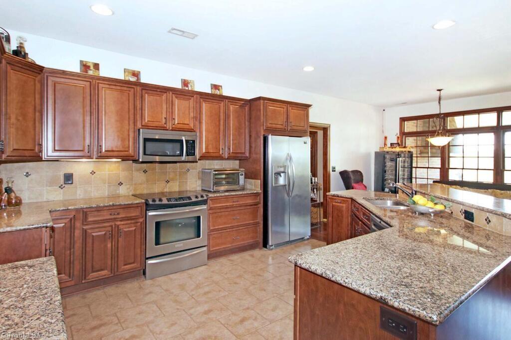 440 Lake Pointe Lane Property Photo 14