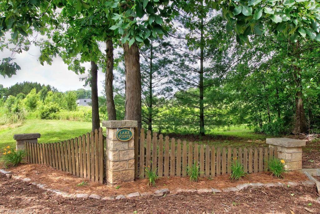440 Lake Pointe Lane Property Photo 42