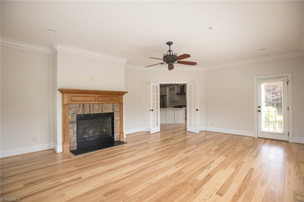 2801 Swan Lake Drive Property Picture 19