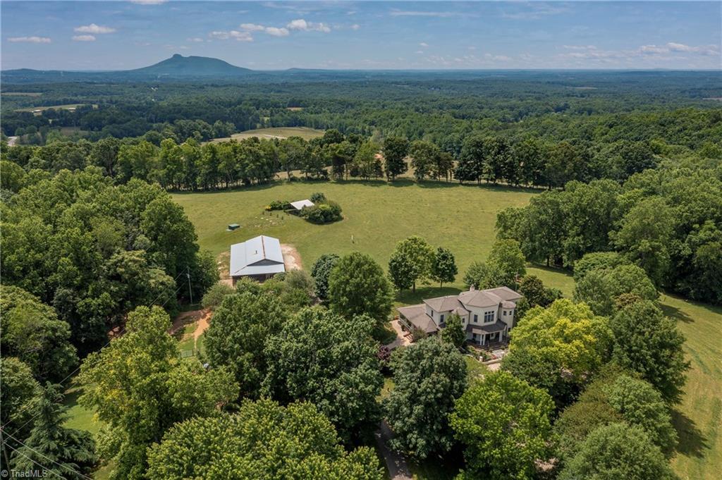 196 Blue View Farm Trail Property Photo 1