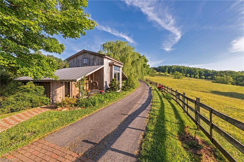 196 Blue View Farm Trail Property Photo 40