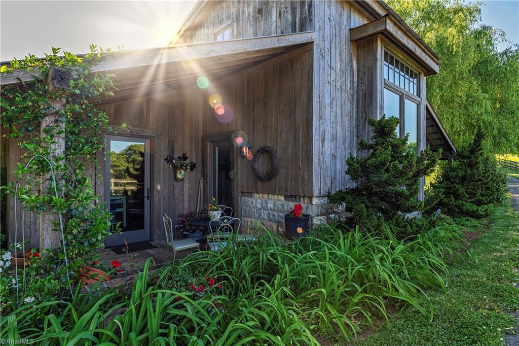 196 Blue View Farm Trail Property Photo 41
