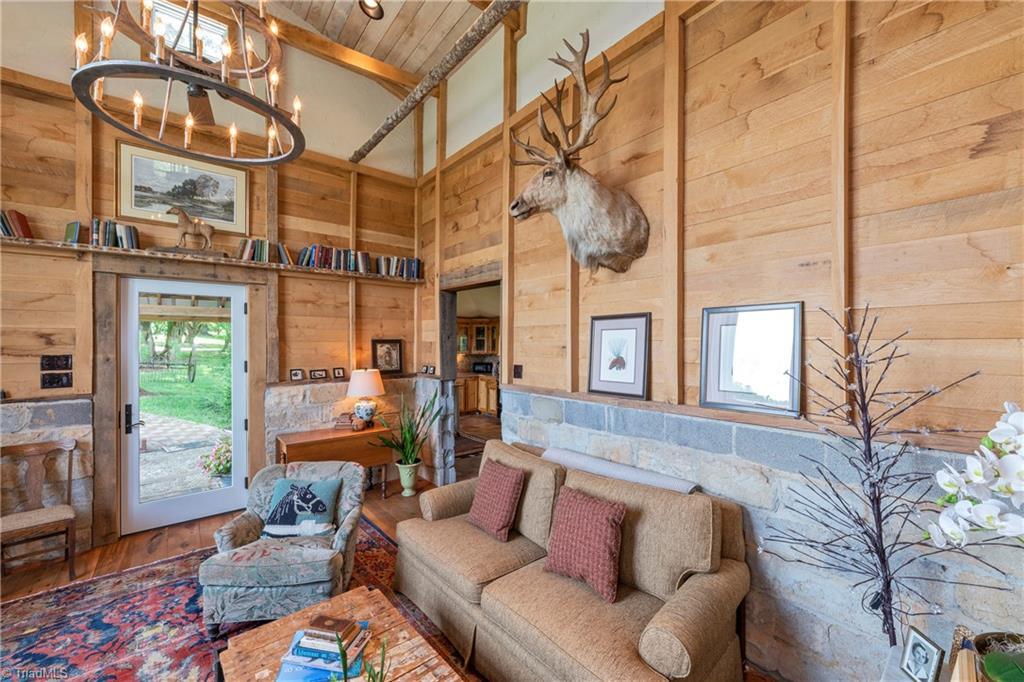 196 Blue View Farm Trail Property Photo 42