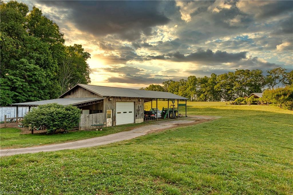 196 Blue View Farm Trail Property Photo 47