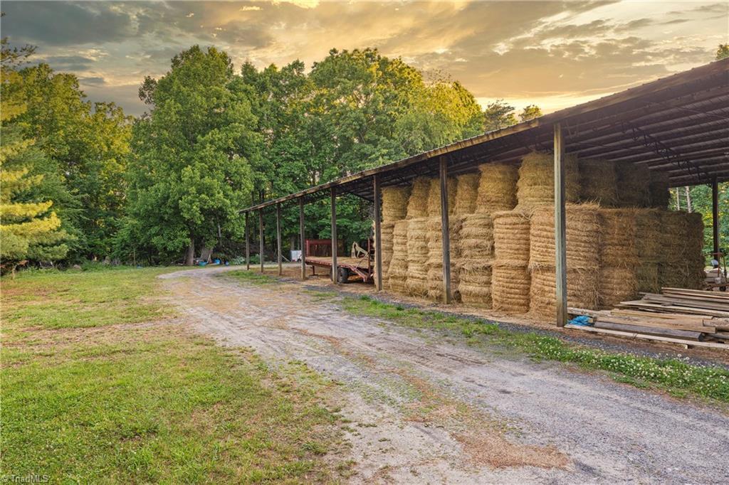 196 Blue View Farm Trail Property Photo 49