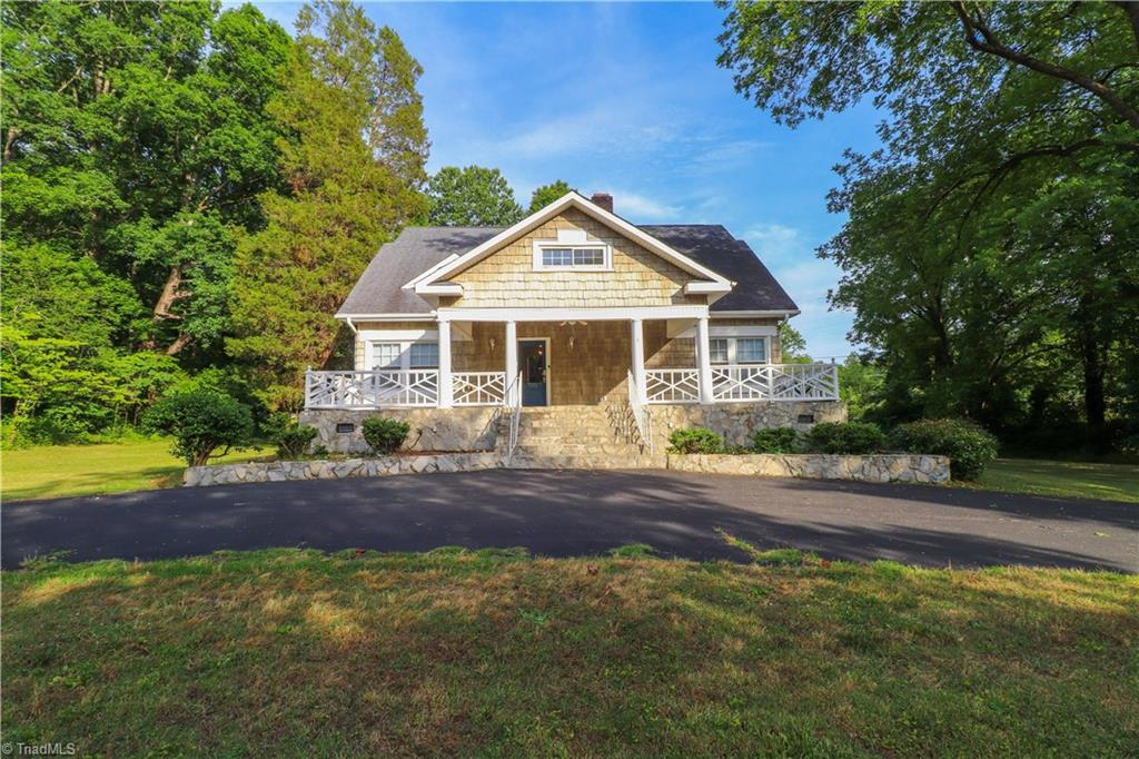 703 Courtland Avenue Property Photo