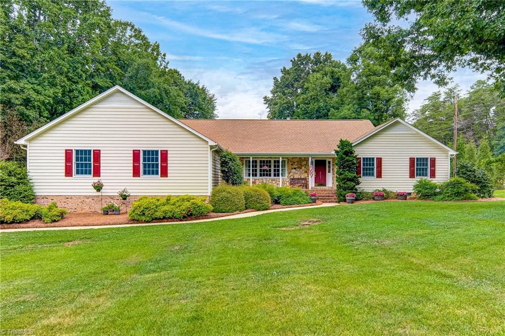 8800 Cedar Spring Drive Property Photo 1