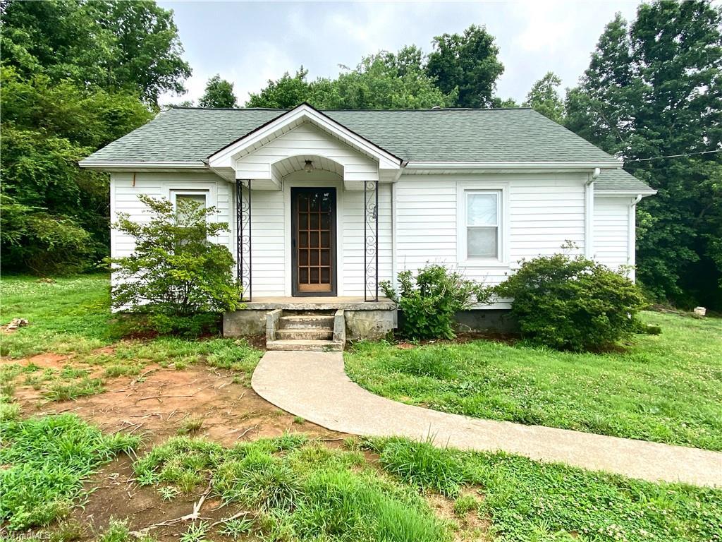 180 Shamrock Road Property Photo