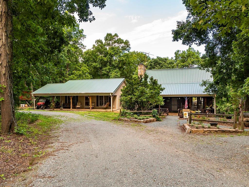 2082 Lone Oak Lane Property Photo