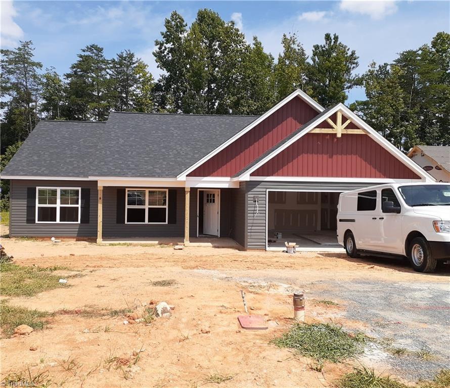 107 Brooke Ridge Drive Property Photo 1