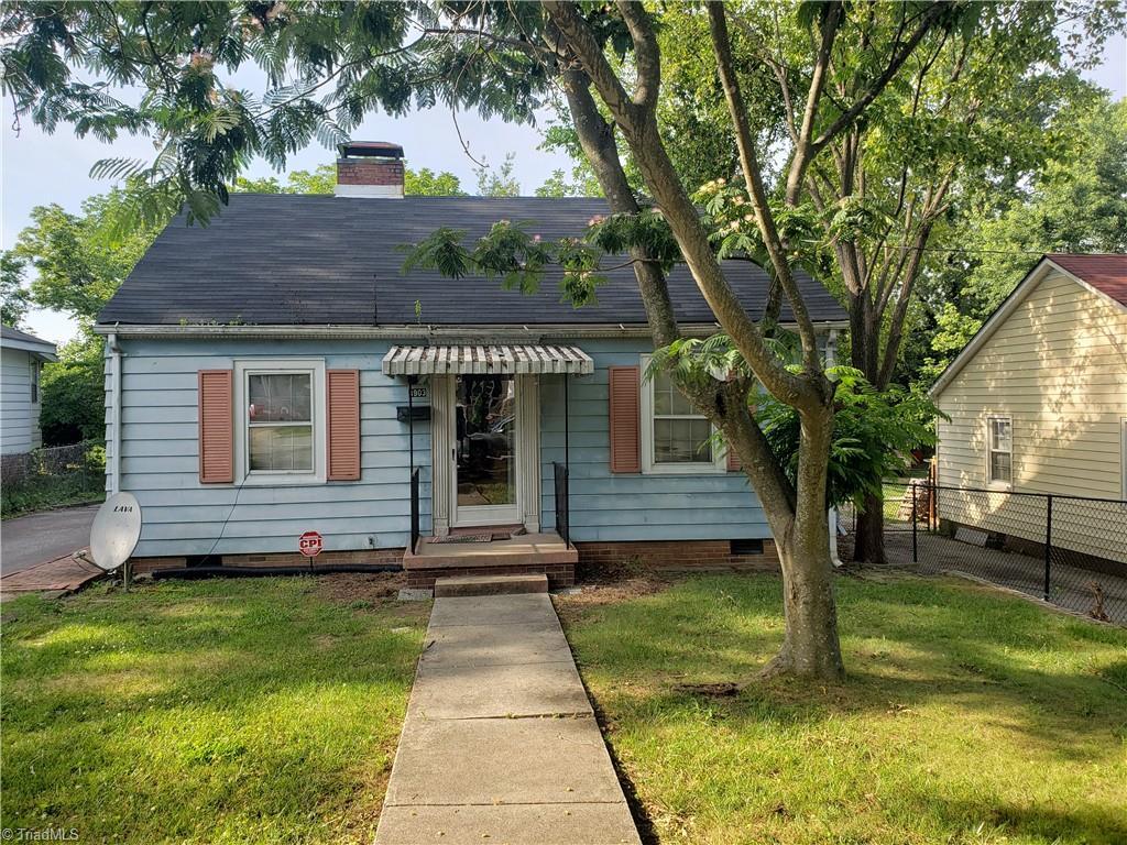 3903 Oak Grove Avenue Property Photo