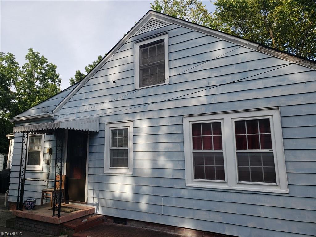 3903 Oak Grove Avenue Property Photo 2