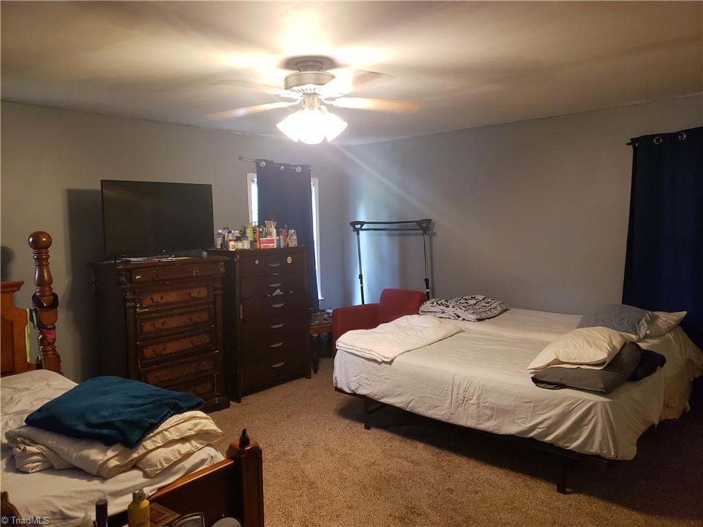 3903 Oak Grove Avenue Property Photo 7