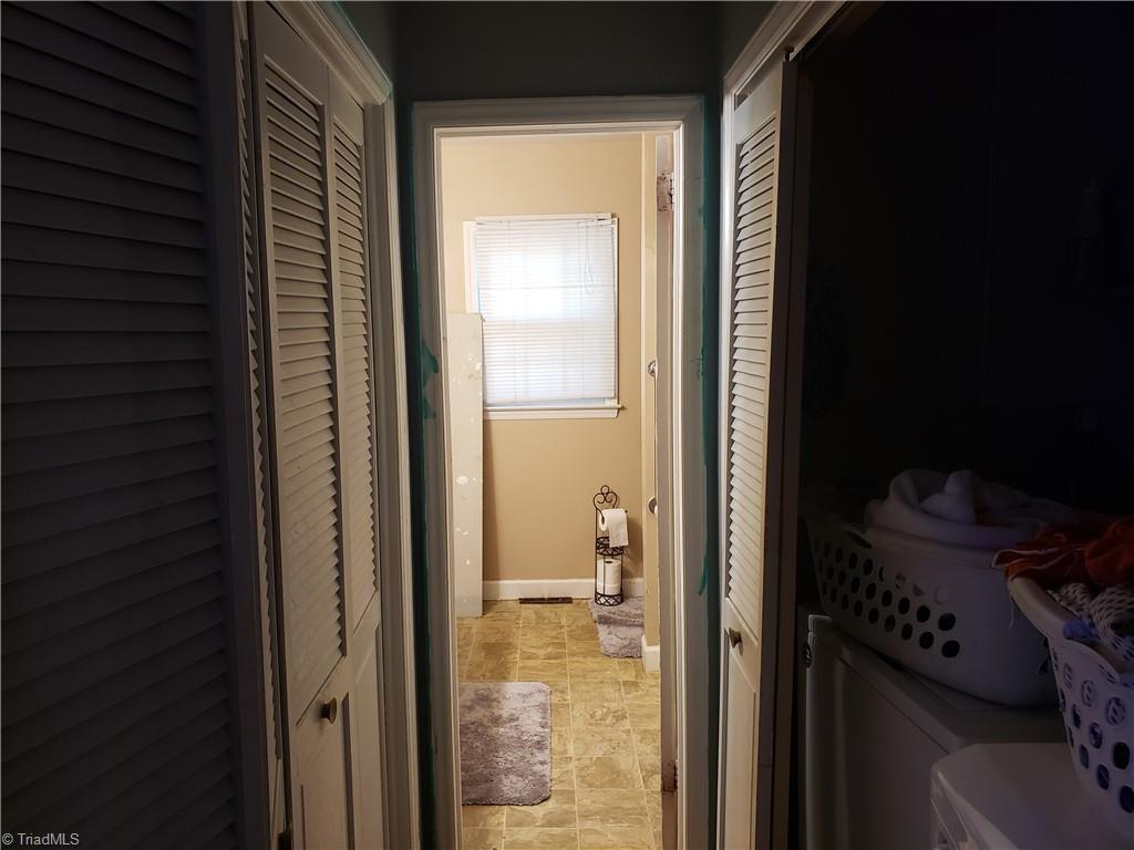 3903 Oak Grove Avenue Property Photo 9
