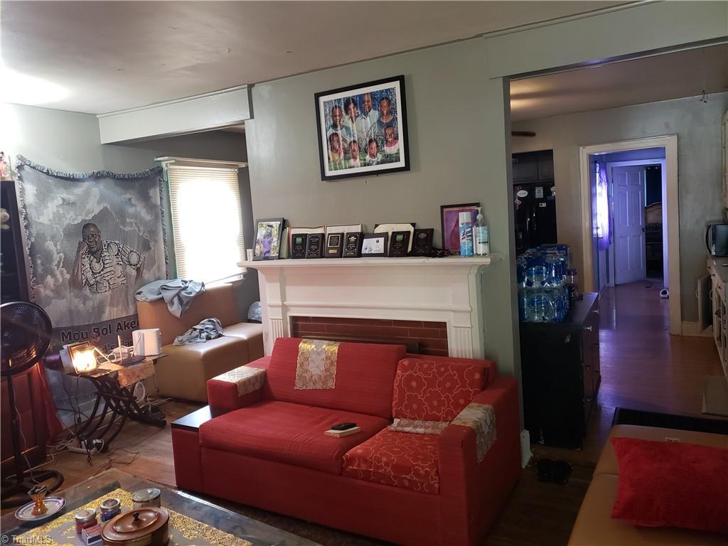 3903 Oak Grove Avenue Property Photo 15