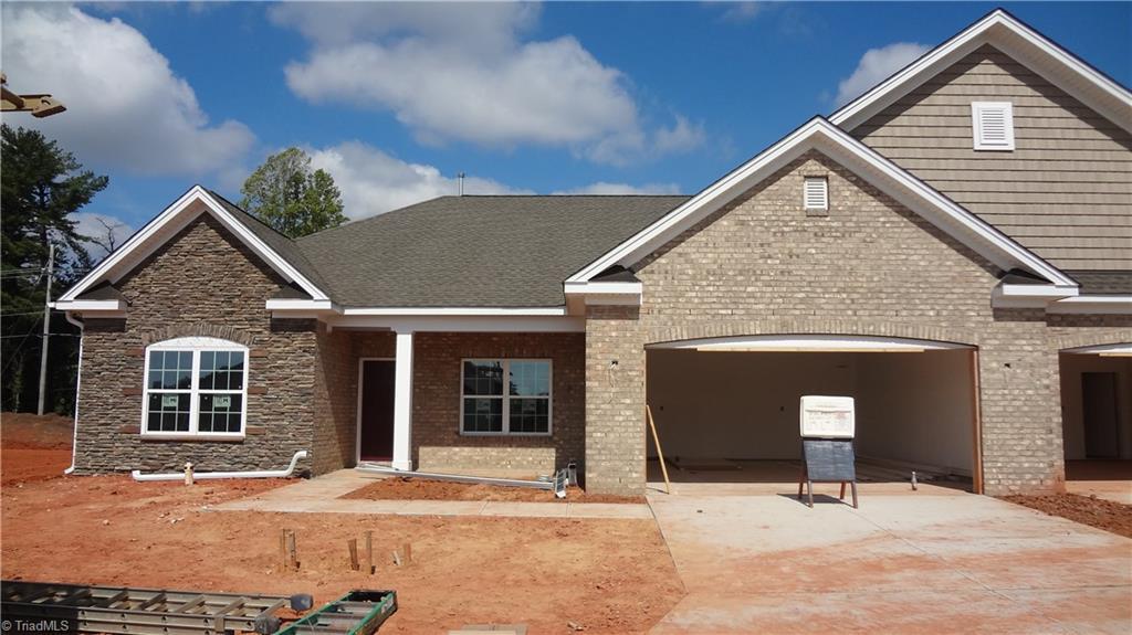 27264 Real Estate Listings Main Image