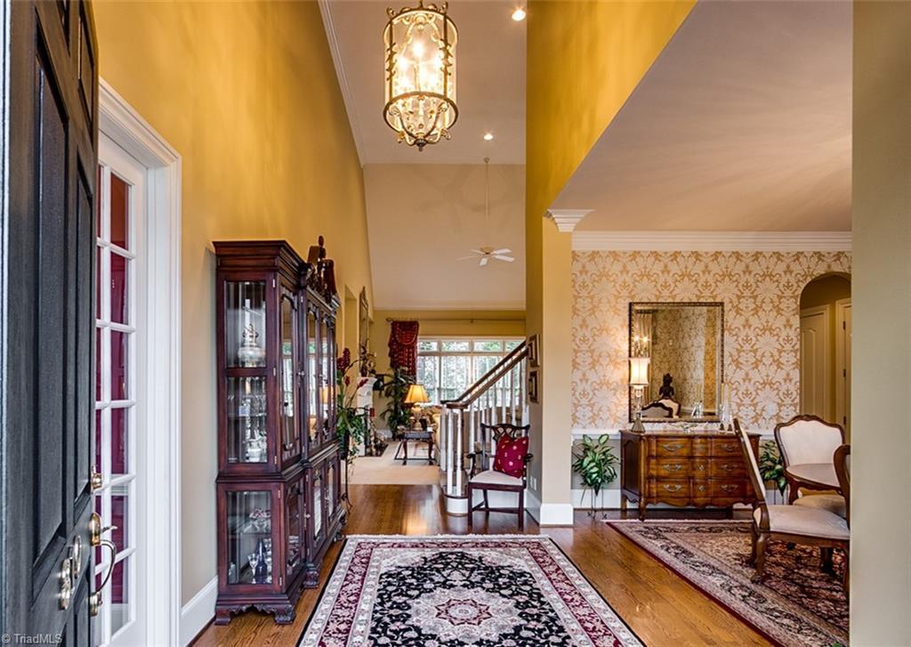 810 Jefferson Wood Lane Property Photo 2