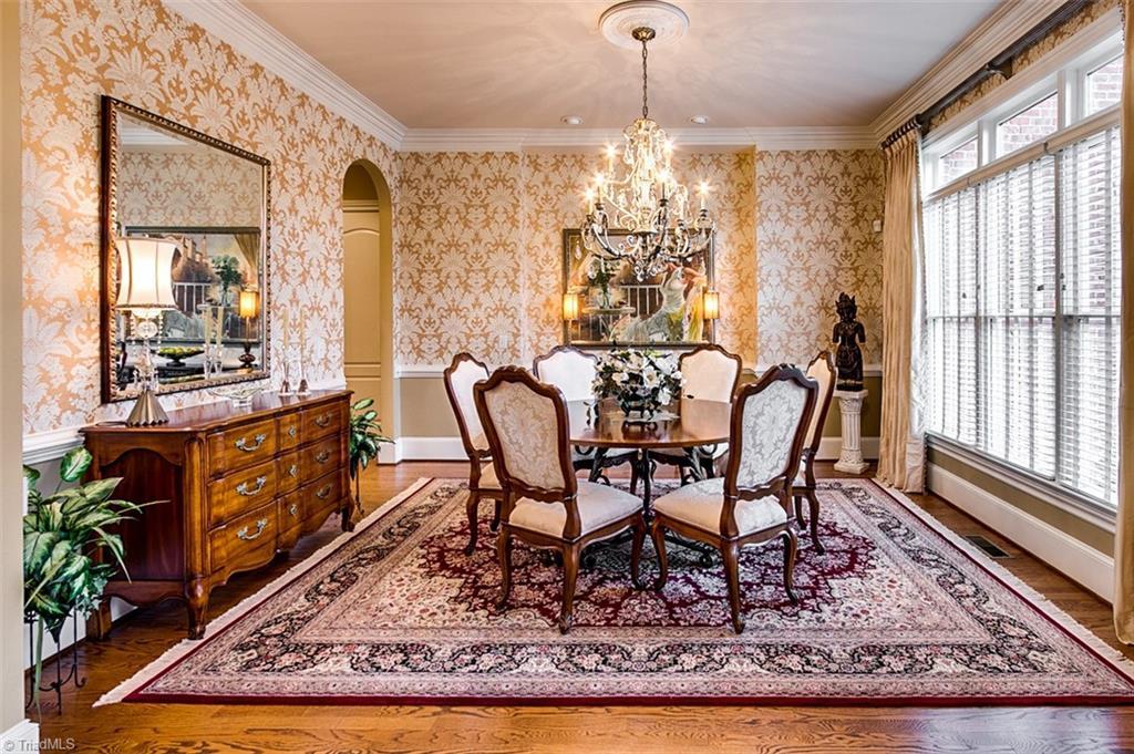 810 Jefferson Wood Lane Property Photo 3
