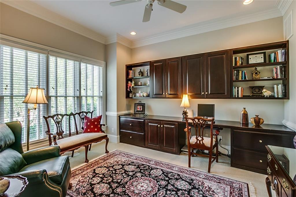 810 Jefferson Wood Lane Property Photo 4