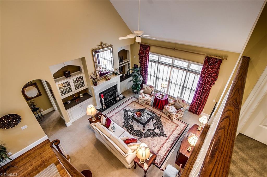810 Jefferson Wood Lane Property Photo 5