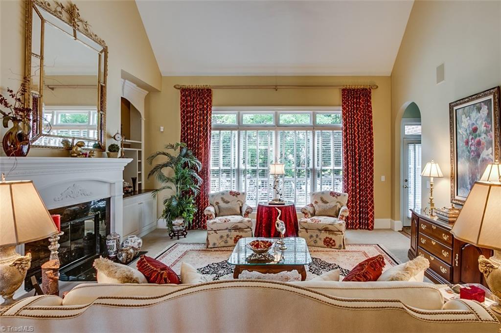 810 Jefferson Wood Lane Property Photo 6