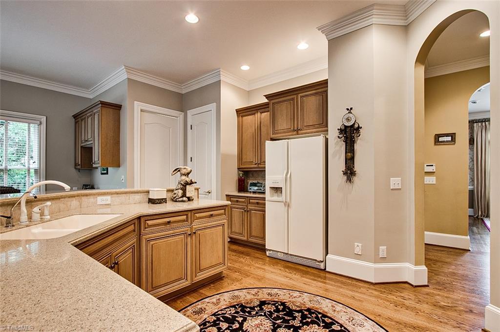 810 Jefferson Wood Lane Property Photo 11