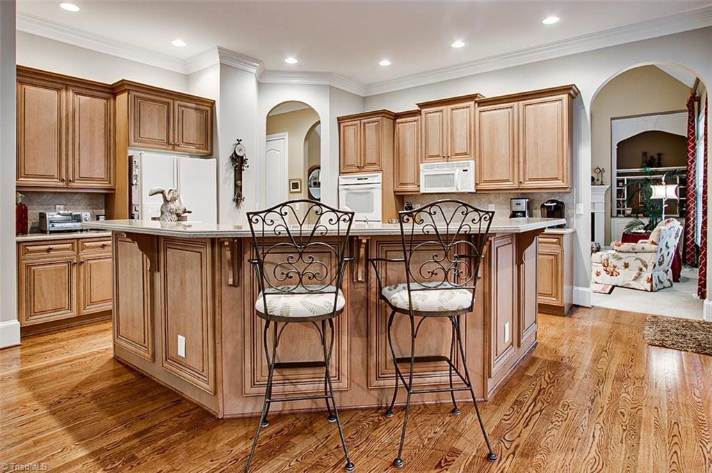810 Jefferson Wood Lane Property Photo 12