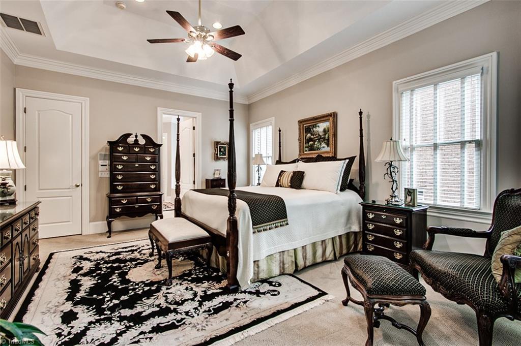 810 Jefferson Wood Lane Property Photo 16