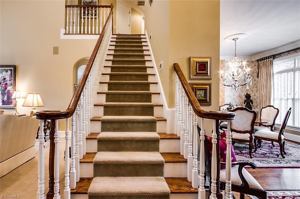 810 Jefferson Wood Lane Property Photo 20