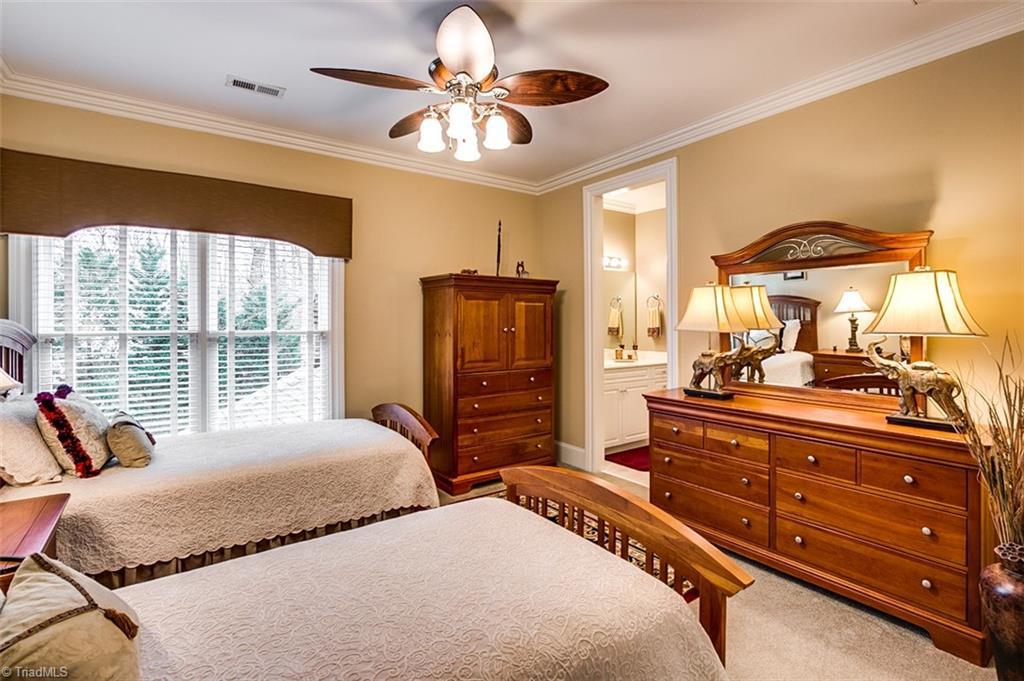 810 Jefferson Wood Lane Property Photo 24