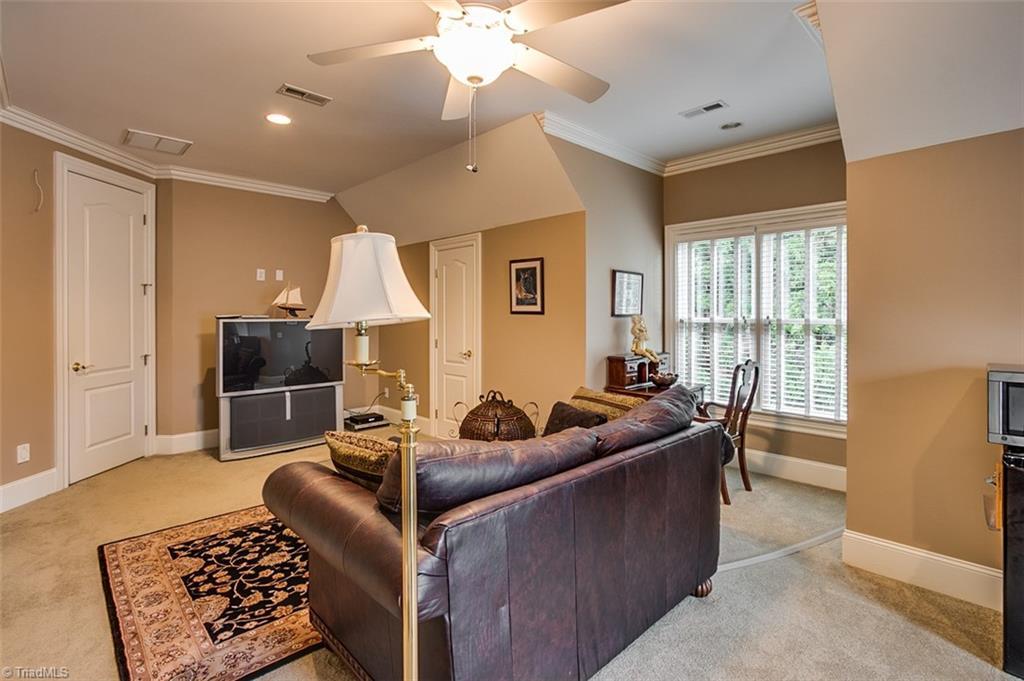 810 Jefferson Wood Lane Property Photo 26