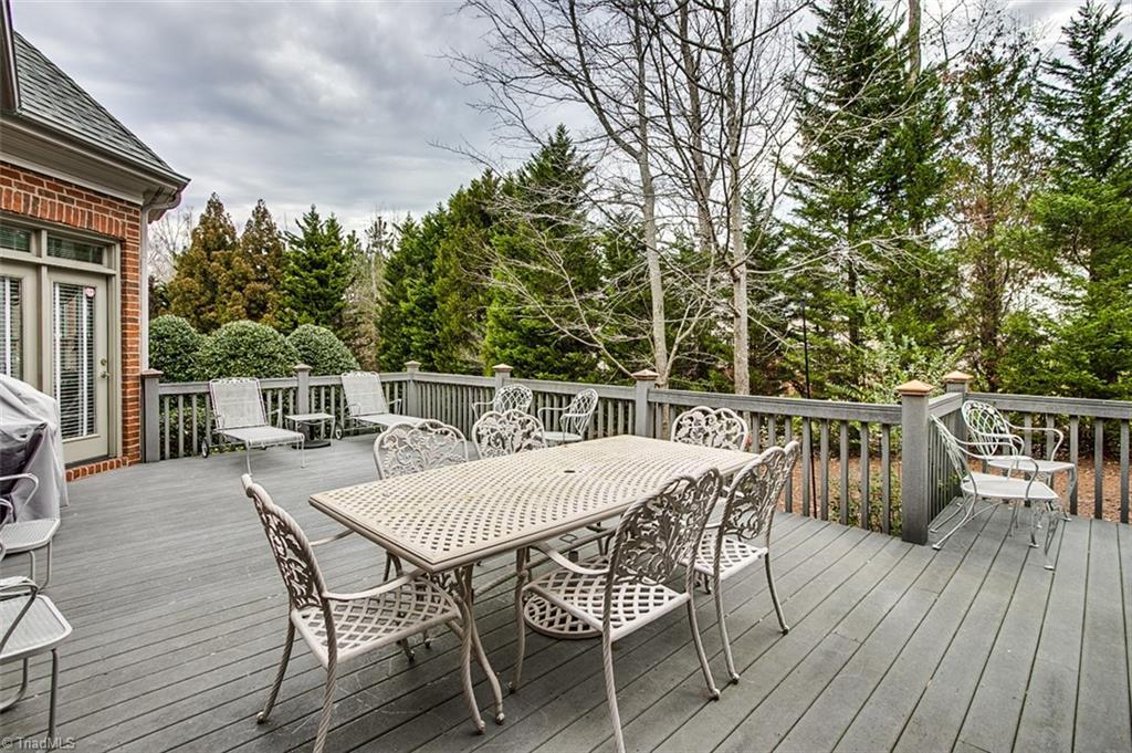 810 Jefferson Wood Lane Property Photo 28
