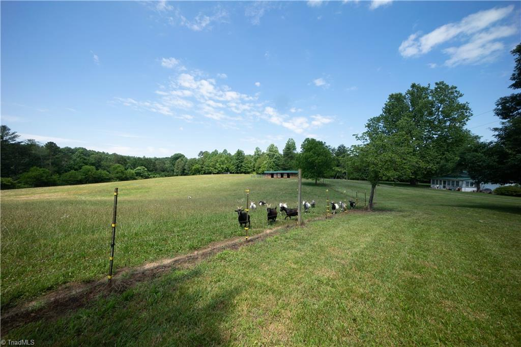499 Indian Hill Road Property Photo