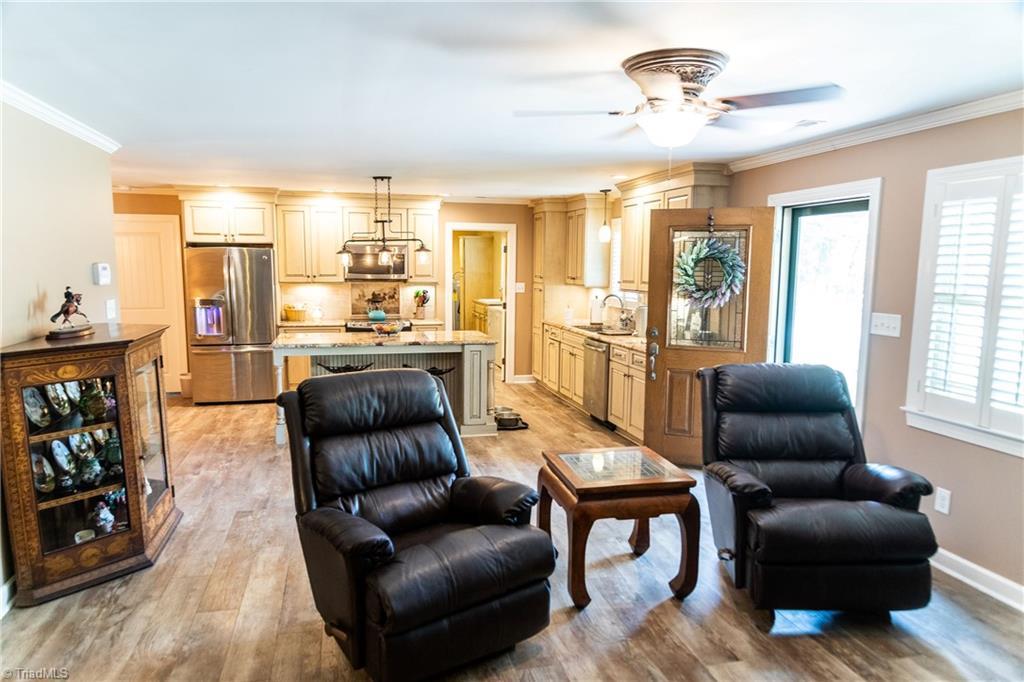 1531 W Nc Highway 62 Property Photo 14