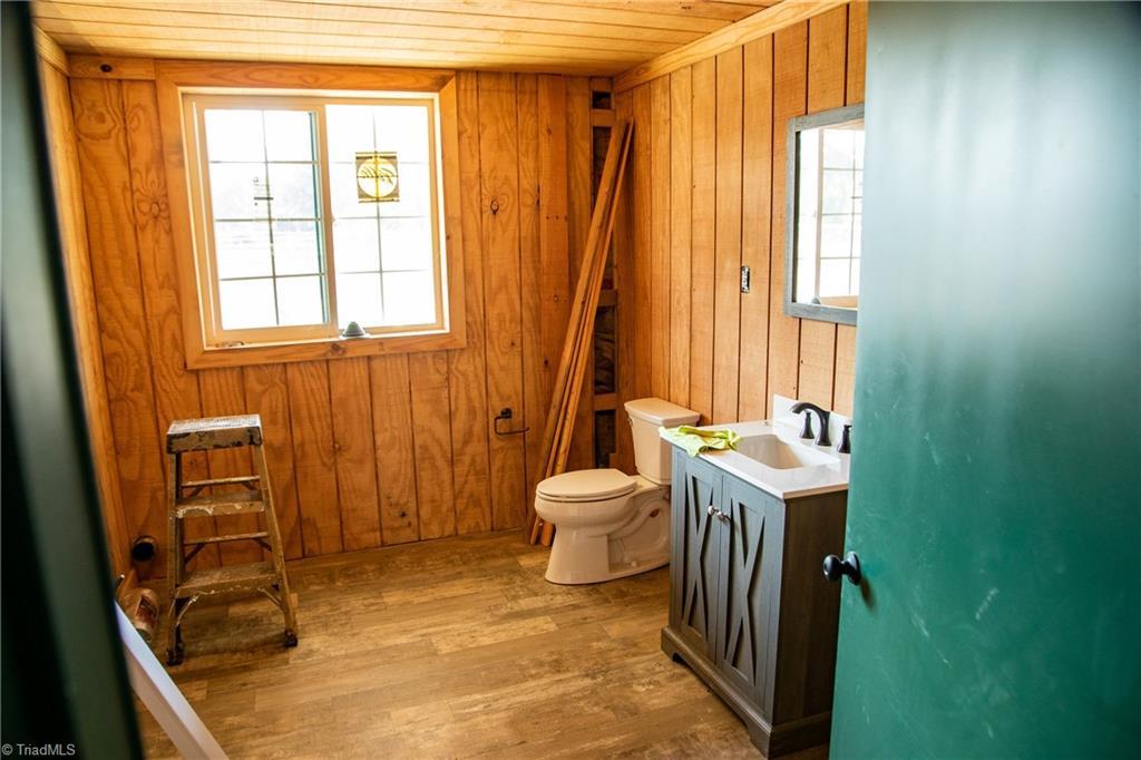 1531 W Nc Highway 62 Property Photo 35