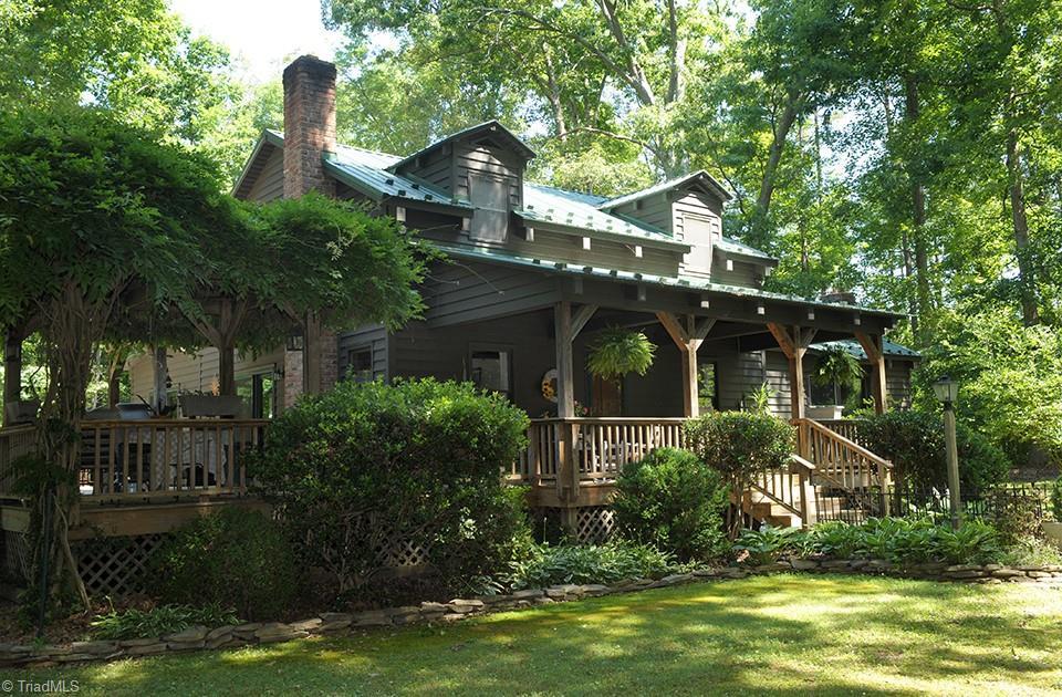 28138 Real Estate Listings Main Image